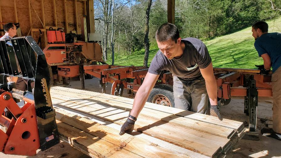 Narrow Gate with portable sawmill