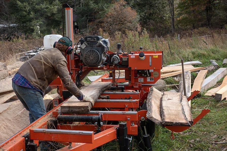 Wood-Mizer LT35 Hydraulic Sawmill with slabs